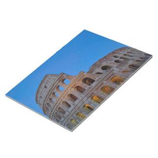 Colosseumの最初にFlavianの円形劇場 ノートパッド