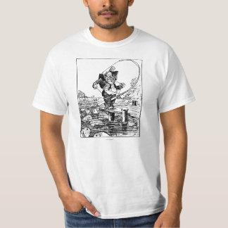 Confused Fisherman Tシャツ