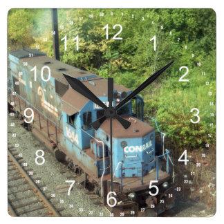 Conrailのディーゼル機関車#1644 GP-15-1の柱時計 スクエア壁時計