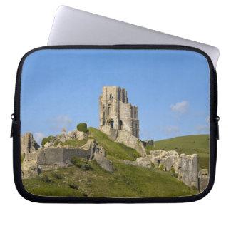 Corfeの城、Corfe、ドーセット、イギリス ラップトップスリーブ