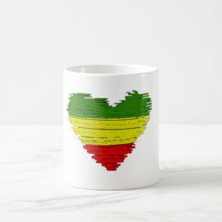 Cori Reithのラスタのレゲエ1愛ハート コーヒーマグカップ