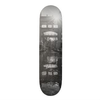 Coronadoの日が差すことのグレースケール オリジナルスケートボード