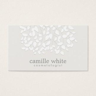 Cosmetologyの白いエンボスの一見の葉 名刺