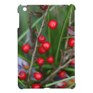Cotoneasterの薮の小さく赤い果実 iPad Miniカバー