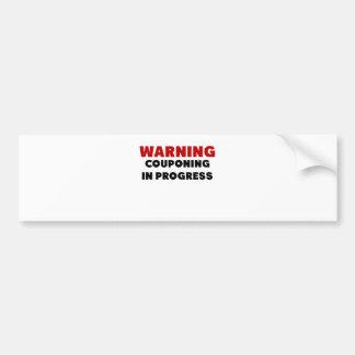 Couponing進行中の.pngを警告します バンパーステッカー