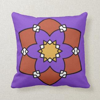 """Coussin décoratif, """"Rosace"""", violet et vermillon クッション"""