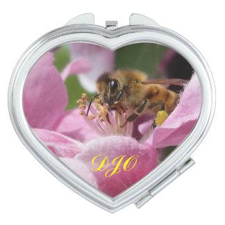 Crabappleの花の蜂蜜の蜂あなたのイニシャル