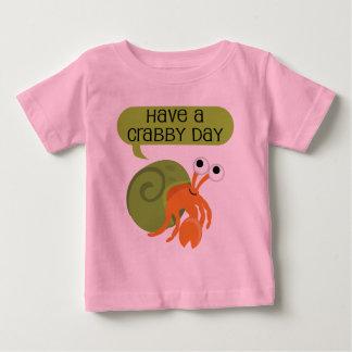 Crabby日のヤドカリを持って下さい ベビーTシャツ