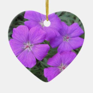 Cranesbillのゼラニウムの紫色 セラミックオーナメント