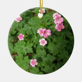 Cranesbillの独身のなピンクの花-写真 セラミックオーナメント