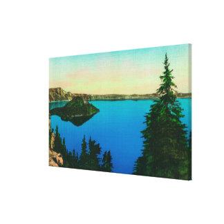 crater湖および魔法使いの島の眺め キャンバスプリント