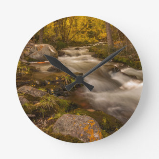 Crestoneの入り江の秋色 ラウンド壁時計