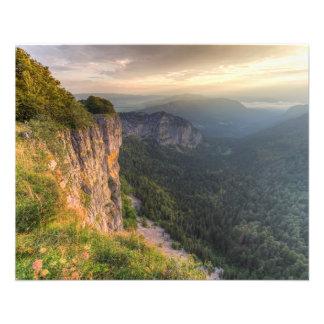 Creux DUヴァンの岩が多いcirque、ヌーシャル、スイス連邦共和国 チラシ