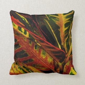 Crotonの葉の抽象芸術 クッション