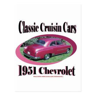 Cruisinクラシックな車1951年のシボレー ポストカード