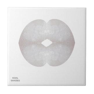 CRYSTALwhite KOOLshadeのキスの唇のロマンチックな芸術 タイル