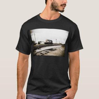 CSXの鉄道Dieeselのヤードエンジントレド、オハイオ州 Tシャツ