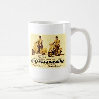 Cushmanのペースメーカーおよび極度のワシのスクーター コーヒーマグカップ