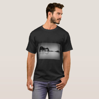 Custom Color Black Guitar Water Reflection T Shirt Tシャツ
