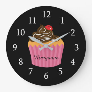Cute Pink Cupcake On Black Personalized Kitchen ラージ壁時計
