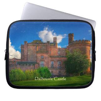 Dalhousieの城、Midlothian、スコットランド ラップトップスリーブ