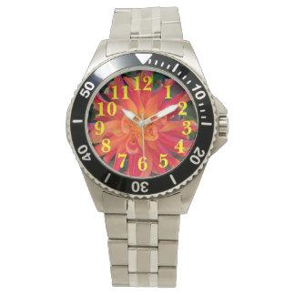 Daliaの赤いオレンジ花 腕時計