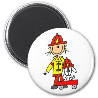DalmationのTシャツおよびギフトを持つ消防士 マグネット