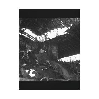 Damanged USSランドルフのresulting_Warイメージ キャンバスプリント