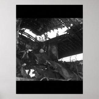 Damanged USSランドルフのresulting_Warイメージ ポスター