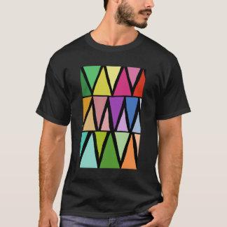 Daphne著カラフルで幾何学的なパターンモダンなデザイン Tシャツ