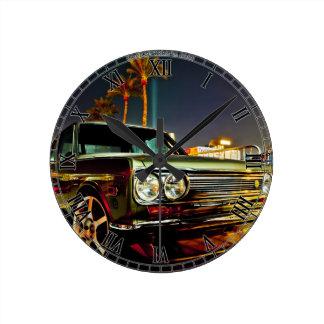 DatsunのブルーバードSSS 510のクーペ ラウンド壁時計