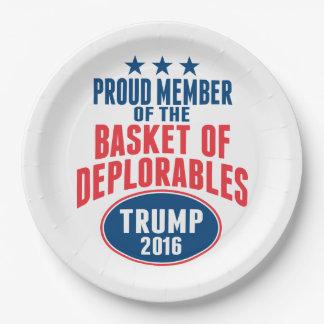Deplorablesのバスケット-切札の誇り高いメンバー ペーパープレート