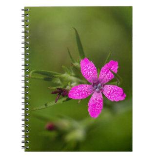 Deptfordのピンクの野生の花の花柄のノート ノートブック