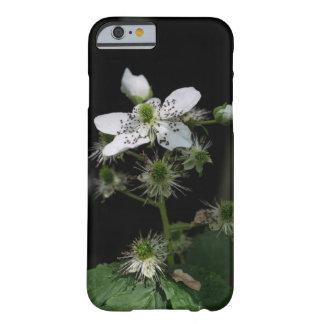 Dewberryの野生の花の花のSmartphoneの場合 Barely There iPhone 6 ケース