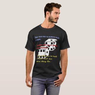 DGUのサイコロの黒いTシャツ Tシャツ