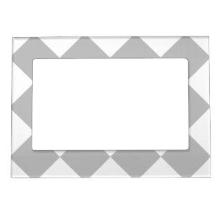 Diagは大きい-白く、薄い灰色市松模様にしました マグネットフレーム