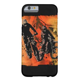 Dirtbikerのデュオの赤いおよびオレンジグランジ Barely There iPhone 6 ケース