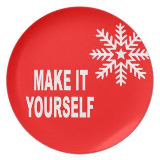 DIYはそれにあなた自身クリスマスの雪片をします プレート
