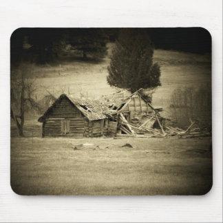 djoneillによる時間によって風化させる古い小屋 マウスパッド