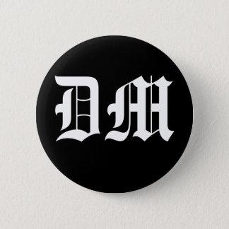 DM 缶バッジ
