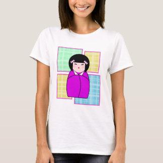 Dooのポップアートの格子縞のKokeshiの人形のTシャツを打ち負かして下さい Tシャツ