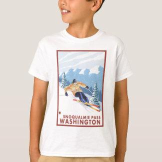 Downhhillの雪のスキーヤー- Snoqualmieのパス、WA Tシャツ