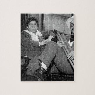 draft_Warイメージの女性の無政府主義者のリーダーそして援助 パズル