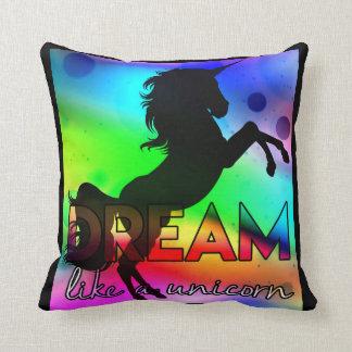 Dream Like a Unicorn! - Bright, colorful design クッション