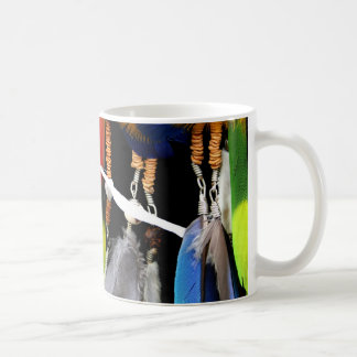 Dreamcatcherおよび羽 コーヒーマグカップ
