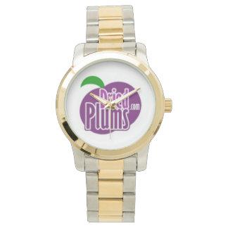 DriedPlums.comは金ゴールド及び銀の腕時計に2ある調子を与えました 腕時計
