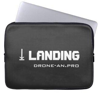 DRONE LANDING ラップトップスリーブ