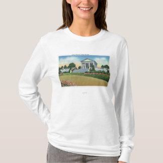 Dudleyの記念物の大学丘公園の眺め Tシャツ