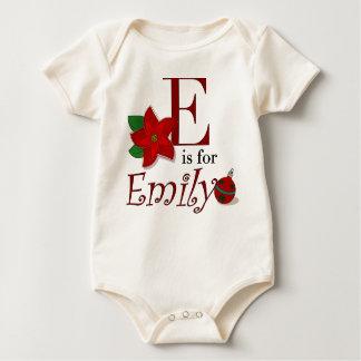 Eはエミリーのベビーの初めてのクリスマスのTシャツのためです ベビーボディスーツ