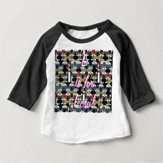 Eはベージュ色のRaglanのTシャツのためです ベビーTシャツ